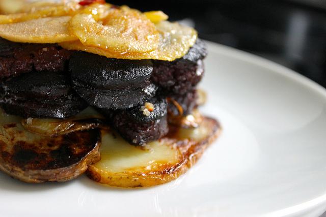 Boudin noir au pommes de terre et poires